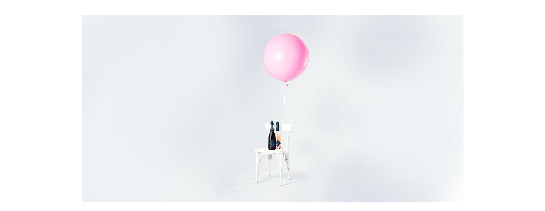 05-maison-peng-cremant-de-loire-brut-rose-packaging-design-label-branding-corporate-design-website-hero-shot